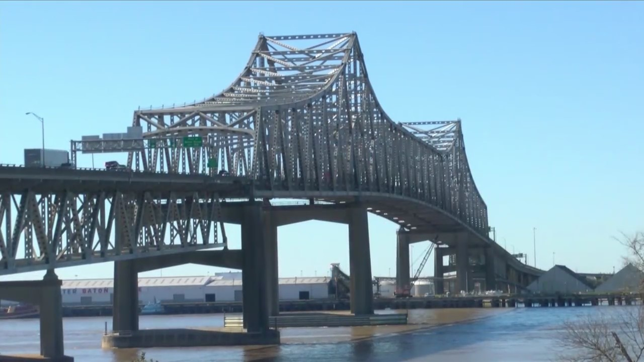 A new Mississippi River bridge? Regional leaders driving the effort