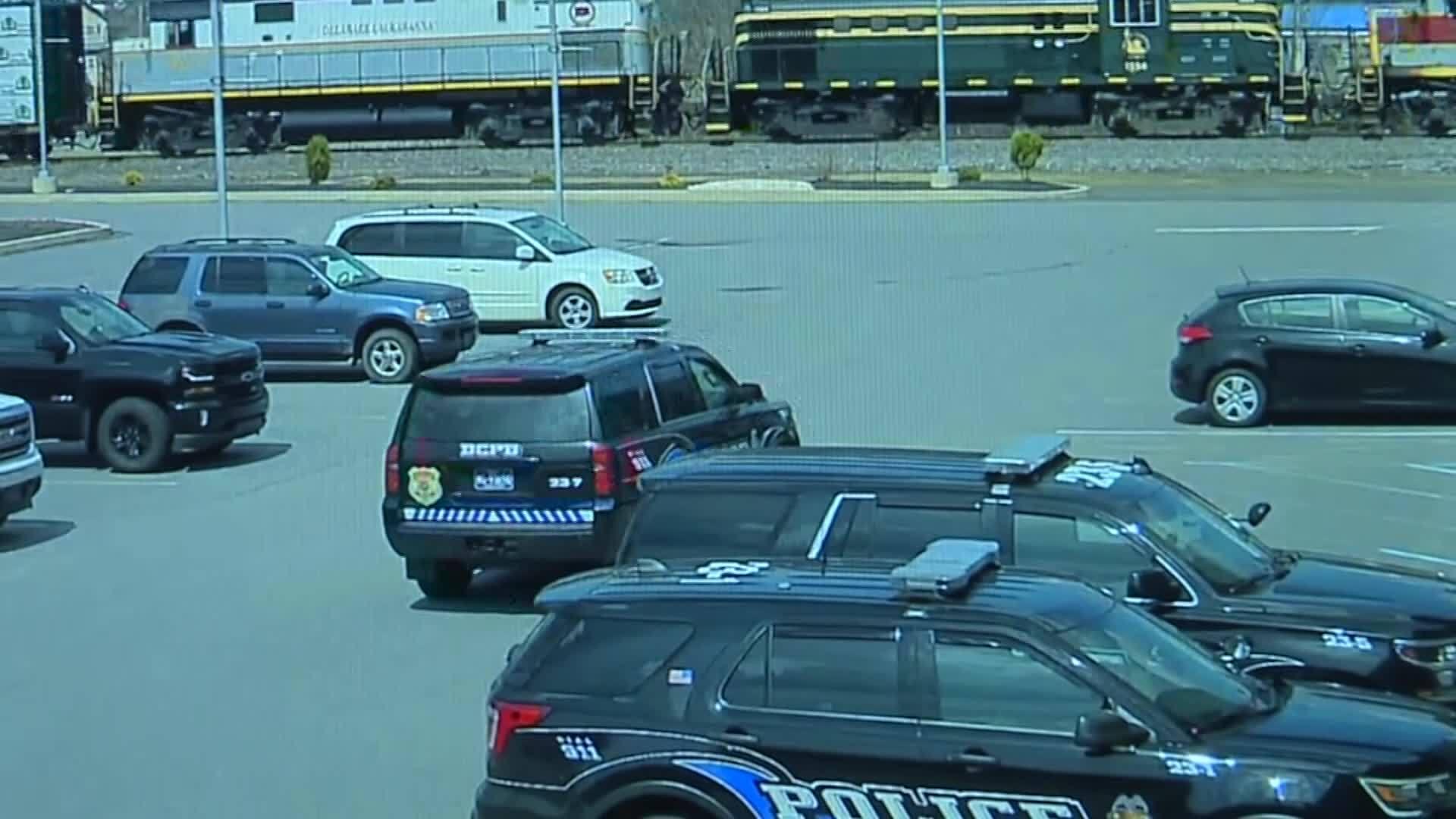 Caught_On_Camera__Train_derails_in_North_3_20190410105616
