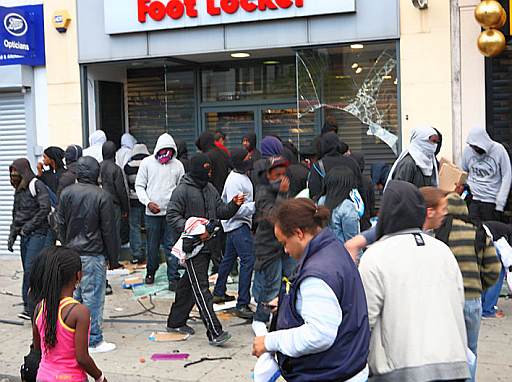 Looters during the riots in London