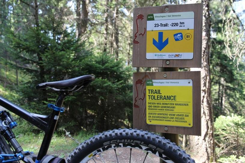Toleranz am Traileinstieg - so wünscht man sich das auch im Schwarzwald und den Vogesen...