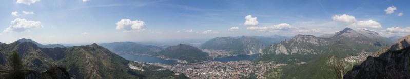 Blick vom Pizzo d'Erna auf Lecco und dem Comer See