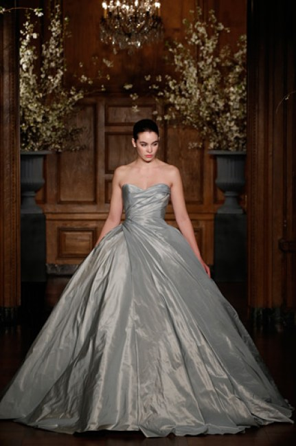 04_Romona-Keveza_Couture-Spring-2014_RK528-Front