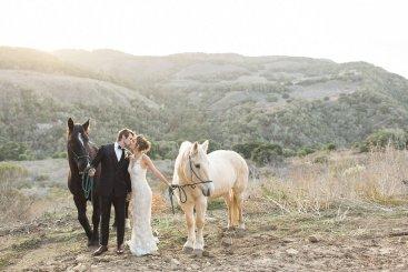 bryllupsinspirasjon-Carlie Statsky-brudeblogg-bryllupsblomster-blonde-brudekjole