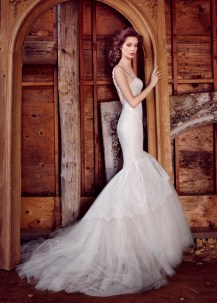 lazaro-bridal-chantilly-lace-fit-and-flare-jeweled-chandelier-sweetheart-plunging-corset-tulle-chapel-3556