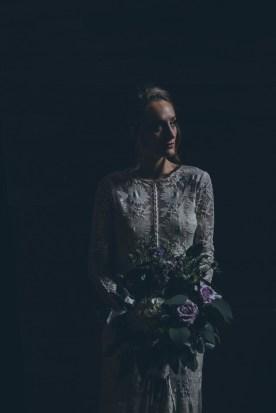 mørkt-bryllup-gotisk-brud- Ed-&-Aileen-Photography