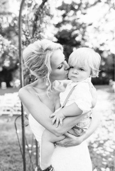 barn-i-bryllup-baby-mor-brud