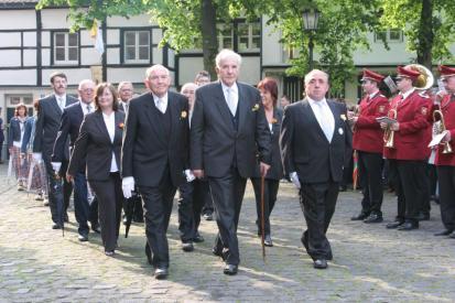 Beecker Honoratioren; an der Spitze Lothar Schlagheck, Hermann-Josef Broeker und Johannes Heinen (v.l.n.r.)