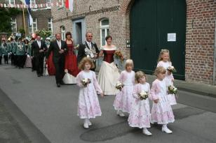 Das Königsgefolge auf der Holtumer Straße