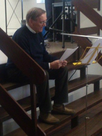 Karl Bertrams unterhielt alle auf Platt und brachte einige Anekdoten an seine Beecker Kindheit zur Erinnerung.