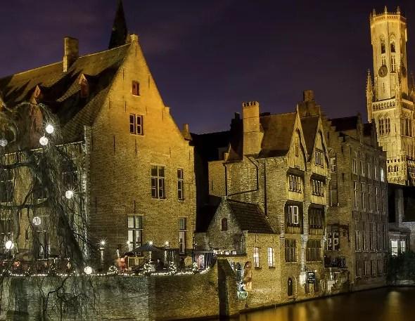 Bruges, le lieu le plus photographié, de nuit