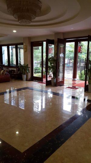 Kiman Hotel Lobby