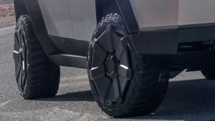 Tesla Cybertruck tires