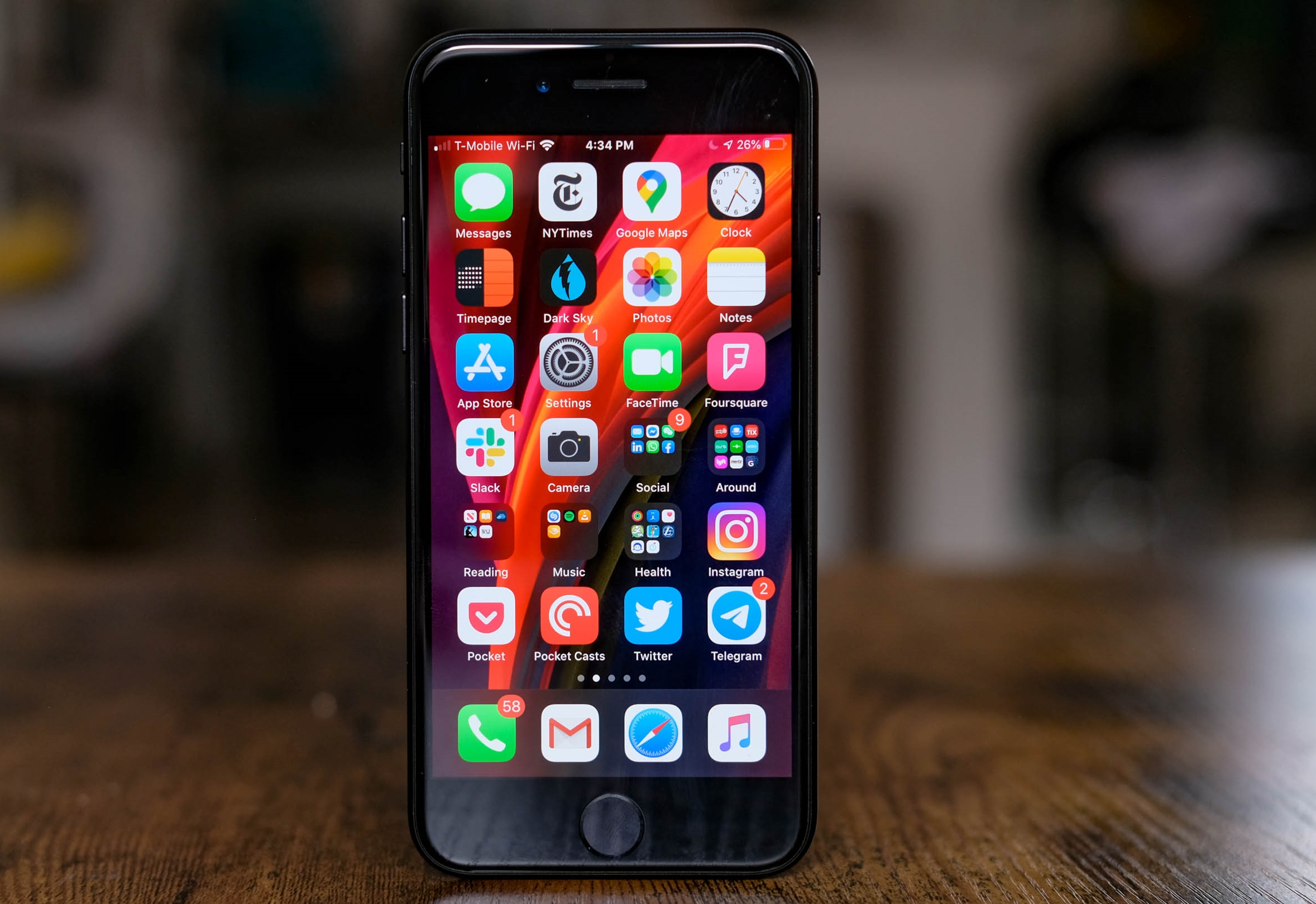 iPhone SE Review 1