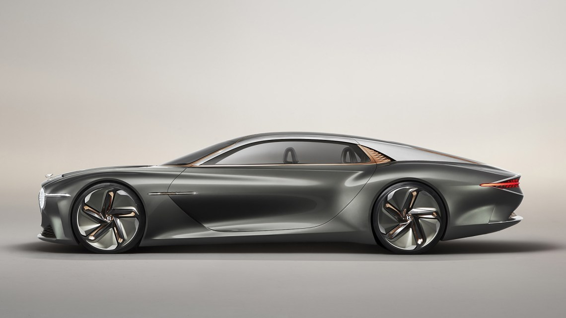 The length of the Bentley EXP 100 GT is one thing that amazed me but that's because Bentley want still maintain that same sedan design in a futuristic car design.