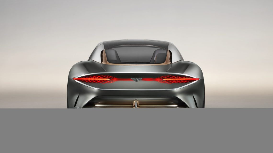 The back of the Bentley EXP 100 GT is yet another great piece of art which is obviously distinguishable from the rest in the pack