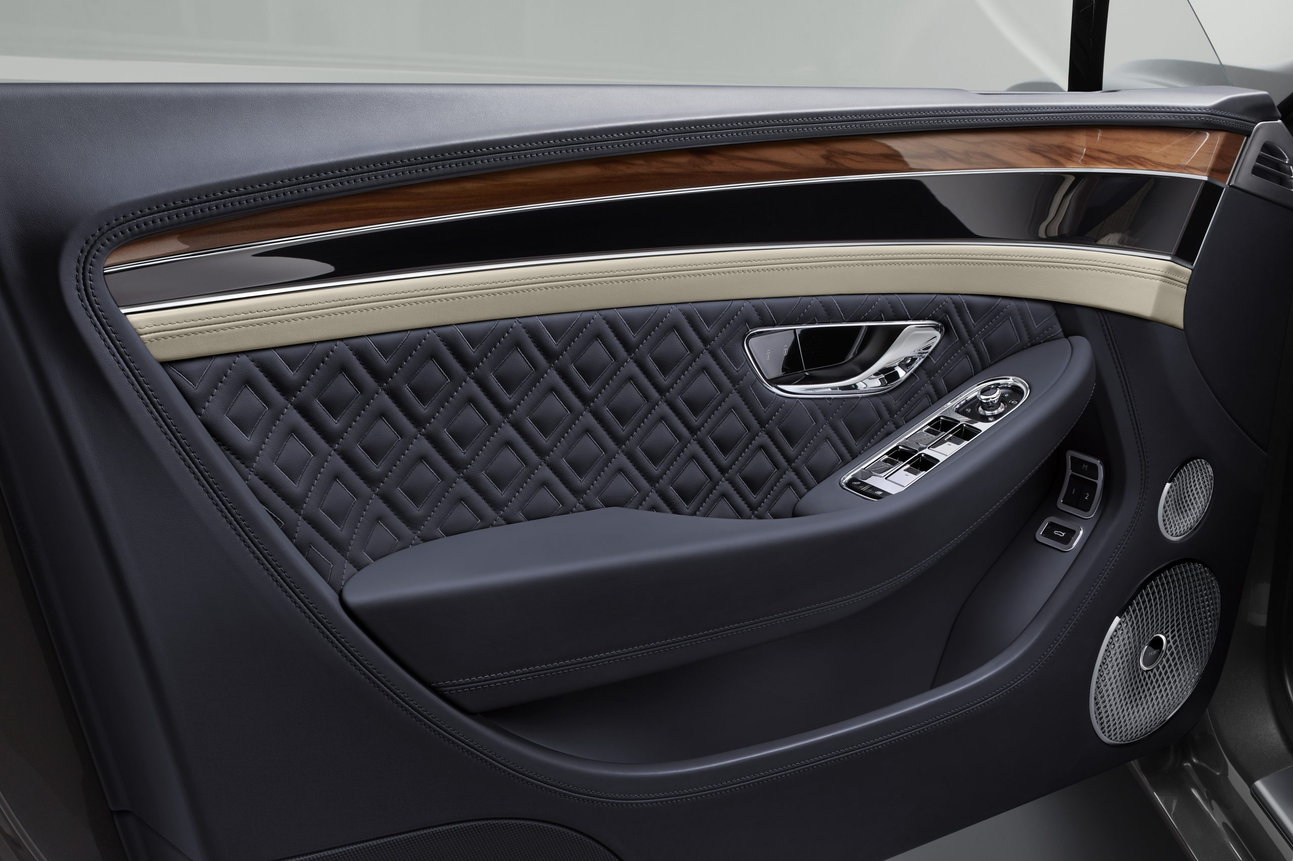 Interior designs of the Bentley Continental GT