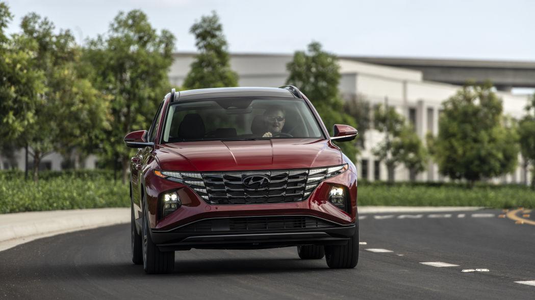 Red Hyundai Tucson 2022