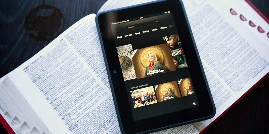 How to copy and paste text on Kindle