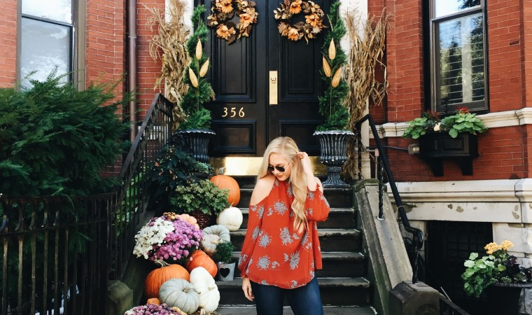 fall in boston, fall in new england, fall transitional outfit, pumpkins in boston, homes in boston in fall, back bay boston, fall stoops in boston, mint julep boutique, perfect fall top