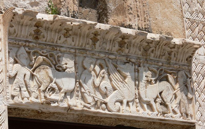 Il portale scolpito di S. Benedetto a Brindisi. Stile e iconografia - di Giuseppe Marella