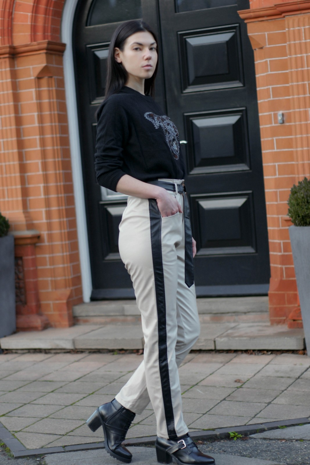 Why Leather Pants Are Still In Style (And You Should Get A Pair) - 2