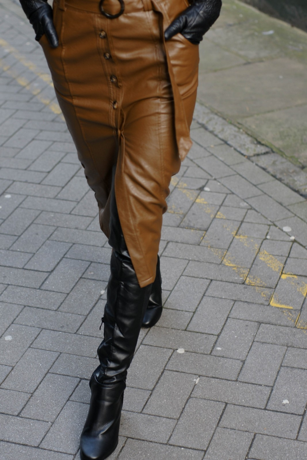 Leather Pencil Skirt Style