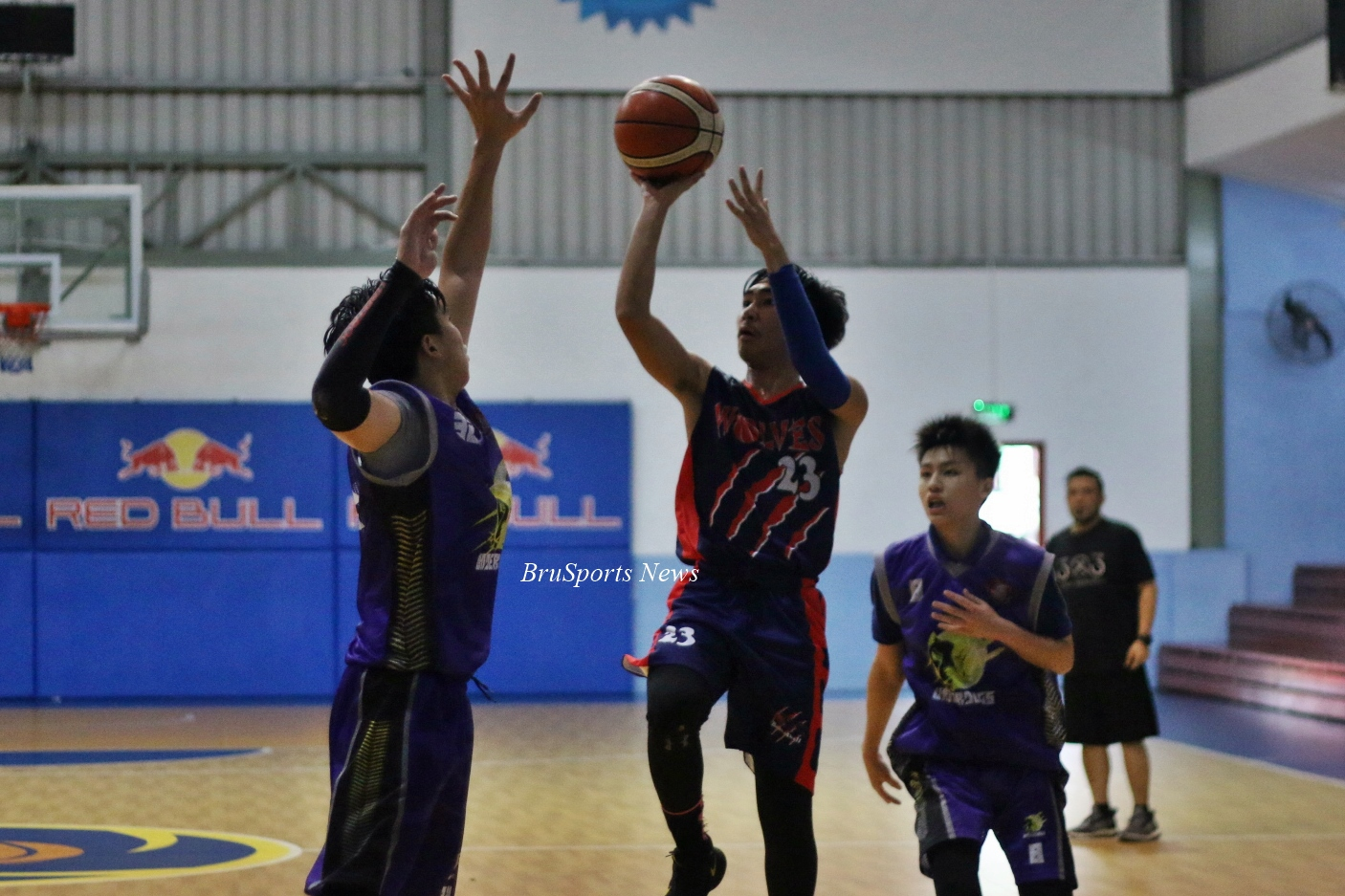 Wolves beat Underdogs, to battle Young Blood for title