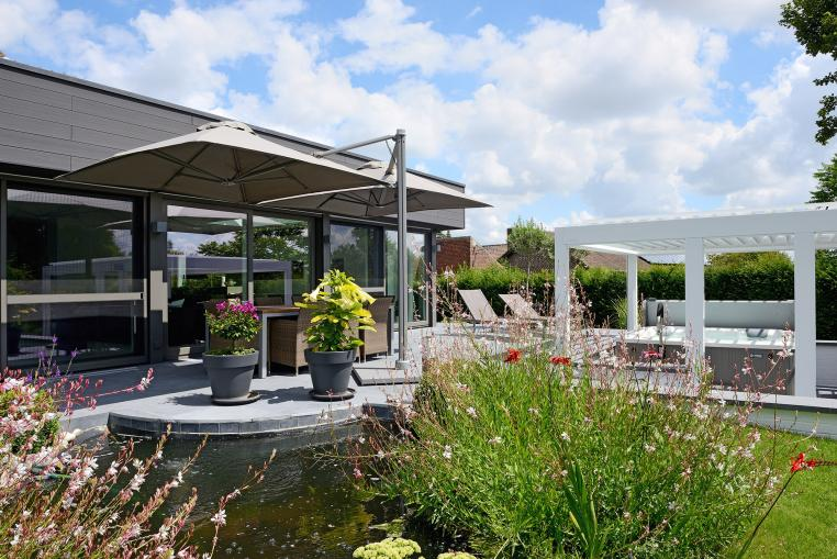 7 good reasons to choose a patio roof