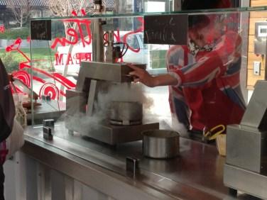 Liquid Nitrogen to make Ice Cream