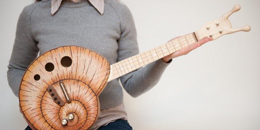 Snail Guitar