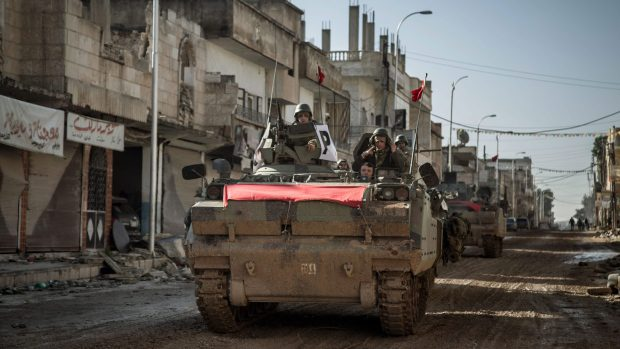 turkish-army-entering-syria-ap-photo