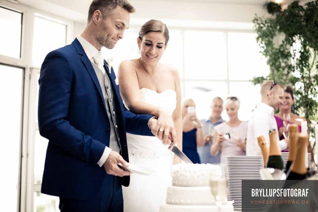 690744363b62 ... snak om hvordan de ønsker deres bryllupsbilleder skal se ud. Vi snakker  også om lokationer og jeg har som regel et par tips eller ting parret skal  være ...