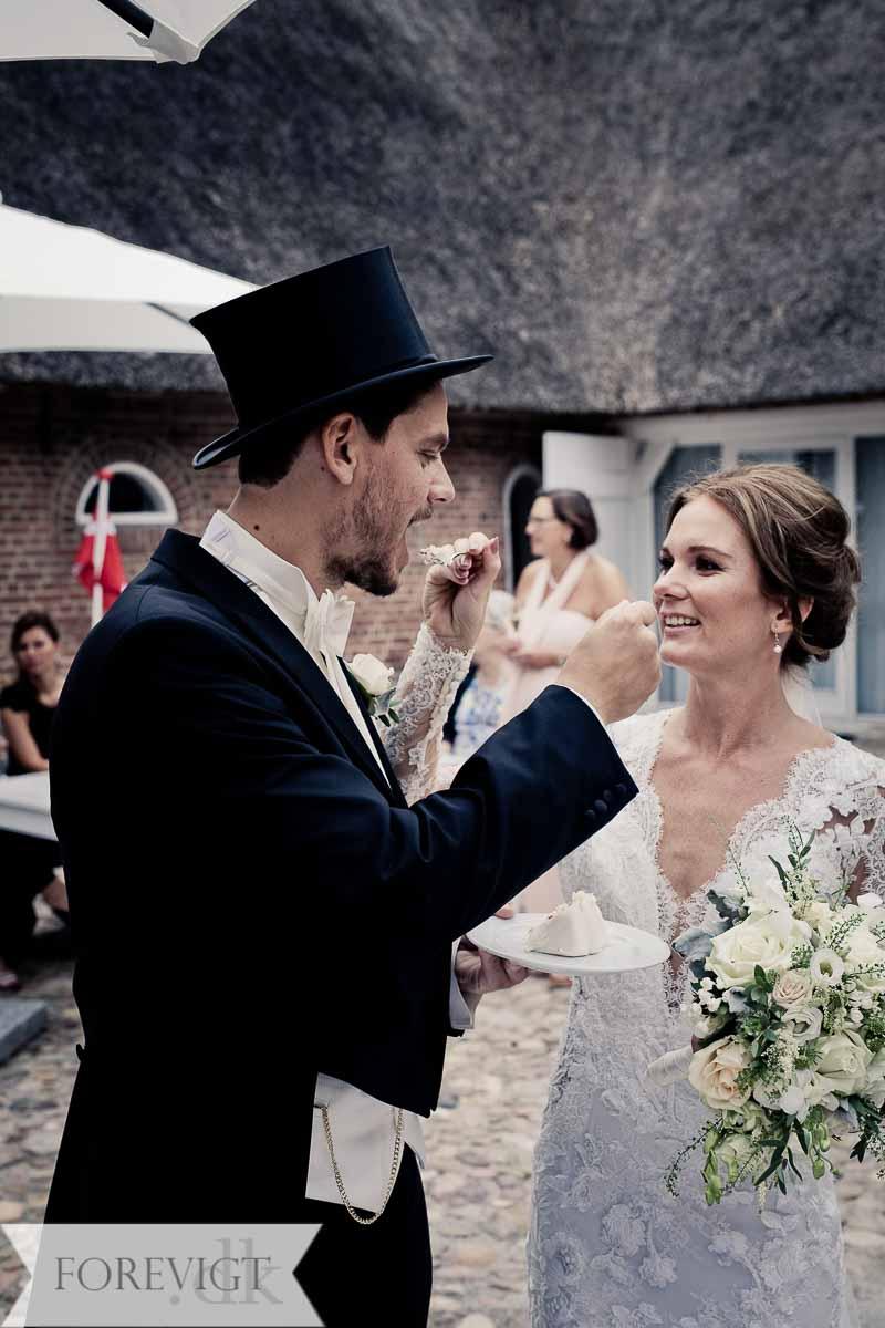 Kvindelig bryllupsfotograf fra Holbæk