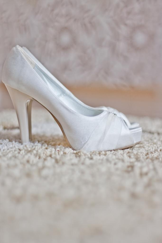 5b6b5ce6 Brudepigernes guide til valg af sko - Bryllup og alt om ...