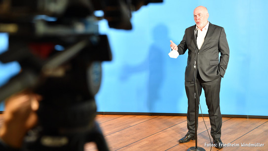 dbb Chef Ulrich Silberbach im Interview