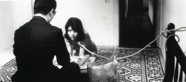 """Una scena tratta da """"The Embryo Hunts In Secret"""" di Koji Wakamatsu"""