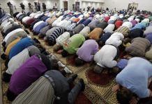 Mussulmani in preghiera
