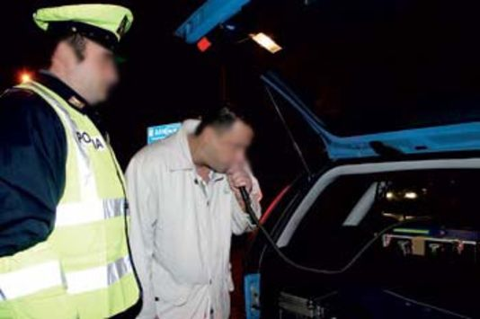 Controlli della Polizia con l'etilometro