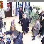 Rapina Ubi Banca di san Polo, le immagini delle telecamere a circuito chiuso grazie alla Questura di Brescia - www.bsnews.it