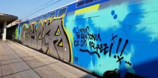 Treni lombardi oggetto di vandalismo: ogni anno i danni superano i 10 milioni di euro.
