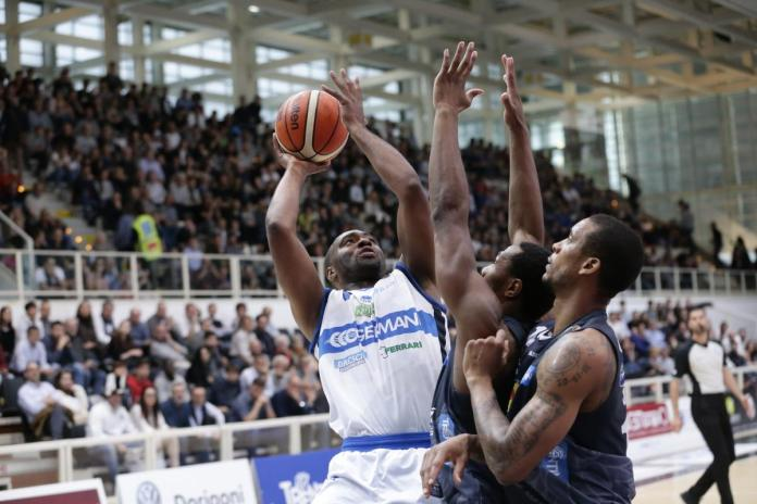 Un'azione di gioco della partita tra Trento e Brescia - foto da ufficio stampa