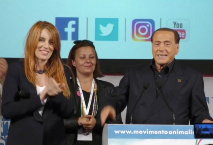 Silvio Berlusconi e Michela Brambilla alla presentazione del movimento animalista all'istituto dei circhi di Milano, frame dal video di Fabrizio Zanotti, www.bsnews.it