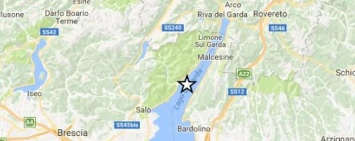 La mappa con l'epicentro del terremoto sul Garda