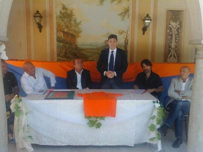 La dirigenza dell'Ac Ospitaletto, foto da ufficio stampa
