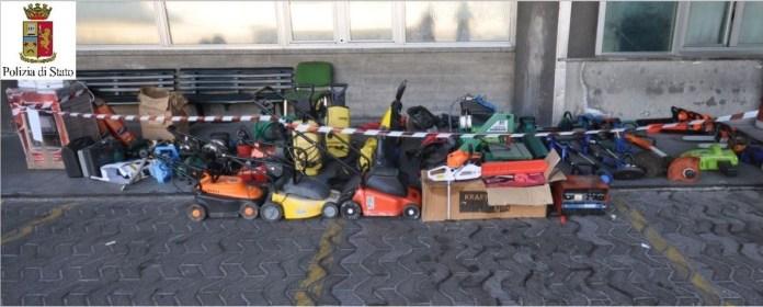 Le attrezzature sequestrate dalla Polizia, foto Questura