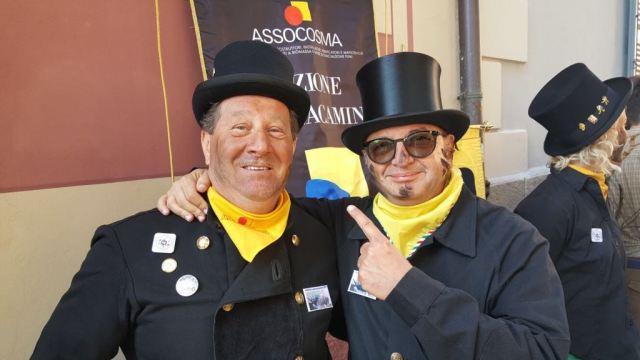Nelle foto il presidente Anfus Gianfranco Borsatti con i colleghi spazzacamini, www.bsnews.it