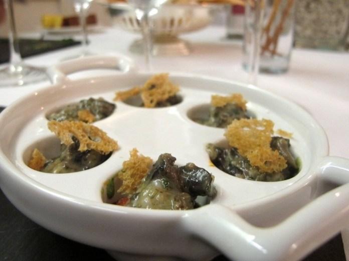 Uno dei piatti dello chef Philippe Léveillé al Miramonti l'altro di Concesio