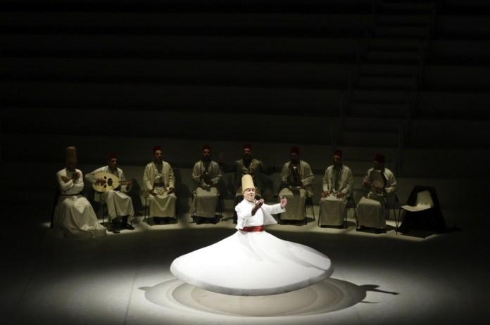 ROTANTI DI DAMASCO, foto da ufficio stampa Teatro Grande