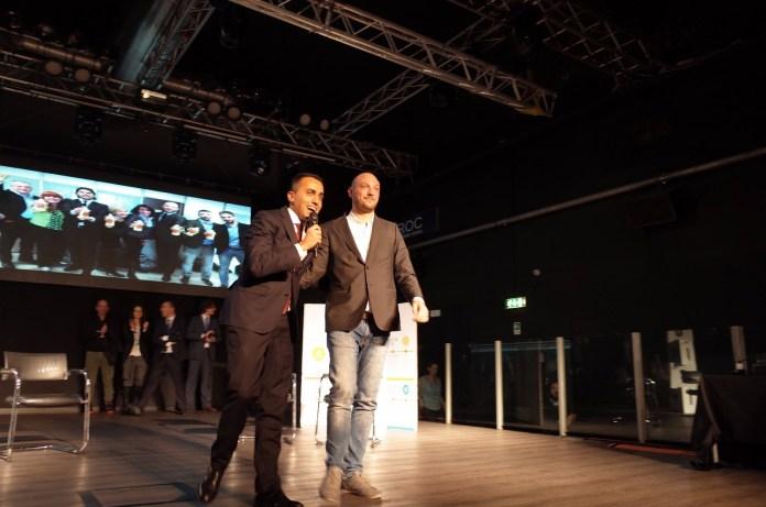 Il candidato alla presidenza della Lombardia Dario Violi con Luigi Di Maio. Terzo il bresciano Alberti