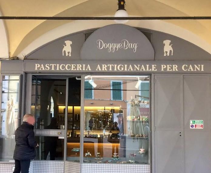 La pasticceria per canni Doggie Bag, in Corso Zanardelli